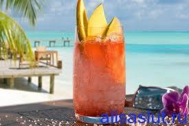 пить коктейли в доминикане