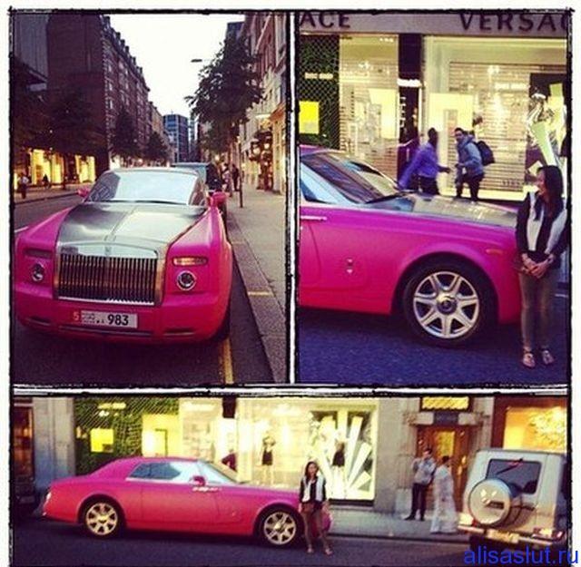 розовый роллс-ройс
